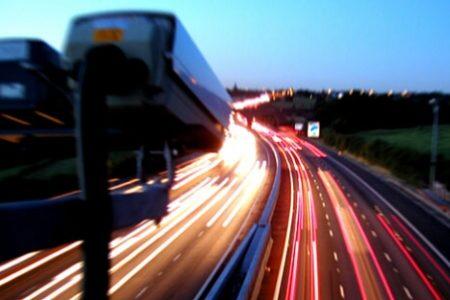 Mobilitat instal•la el primer sistema de foto en vermell que detecta i sanciona els vehicles que es boten un semàfor