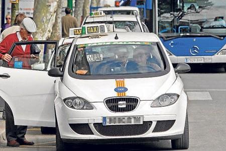 Mobilitat amplia els dies de servei dels taxistes durant els mesos de juliol i agost
