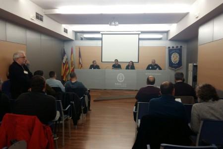 El Ayuntamiento instaurará medidas para incrementar la seguridad de los taxistas