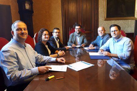Palma i Marratxí signen el conveni per a l'ampliació de la línia 3 de l'EMT