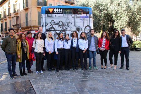 La EMT celebra el 8M con una campaña donde se da visibilidad al trabajo de las mujeres conductoras de autobús