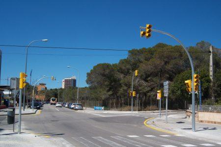 Mobilitat instal•larà un semàfor a la cruïlla del carrer Trobadors amb l'avinguda Amèrica per incrementar la seguretat dels vianants