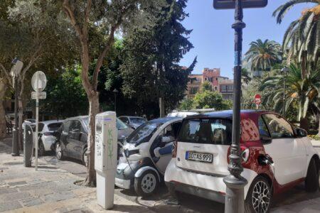 L'Ajuntament instal·larà 10 nous punts de recàrrega dobles per a vehicles elèctrics, un dels quals estarà alimentat per plaques solars